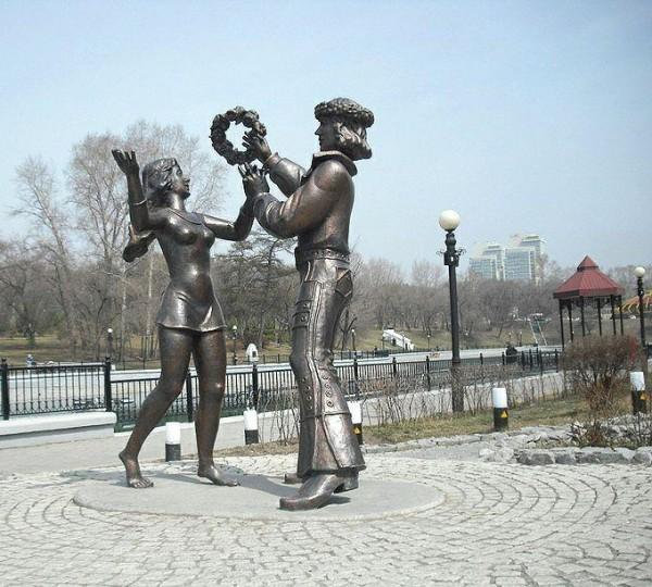 Памятники в хабаровском крае фото скульптура на могилу